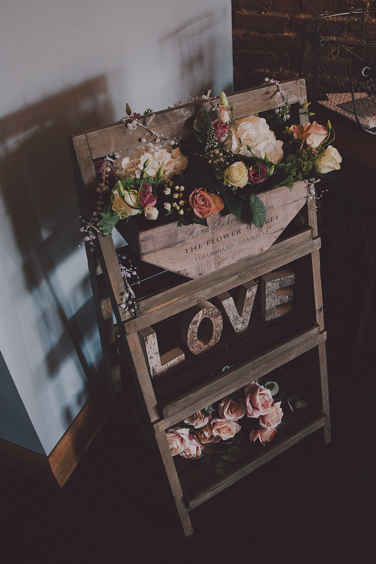 Ladder Decor Flowers Sign Chic Rustic Grey Barn Wedding http://www.kevelkinsphotography.co.uk/