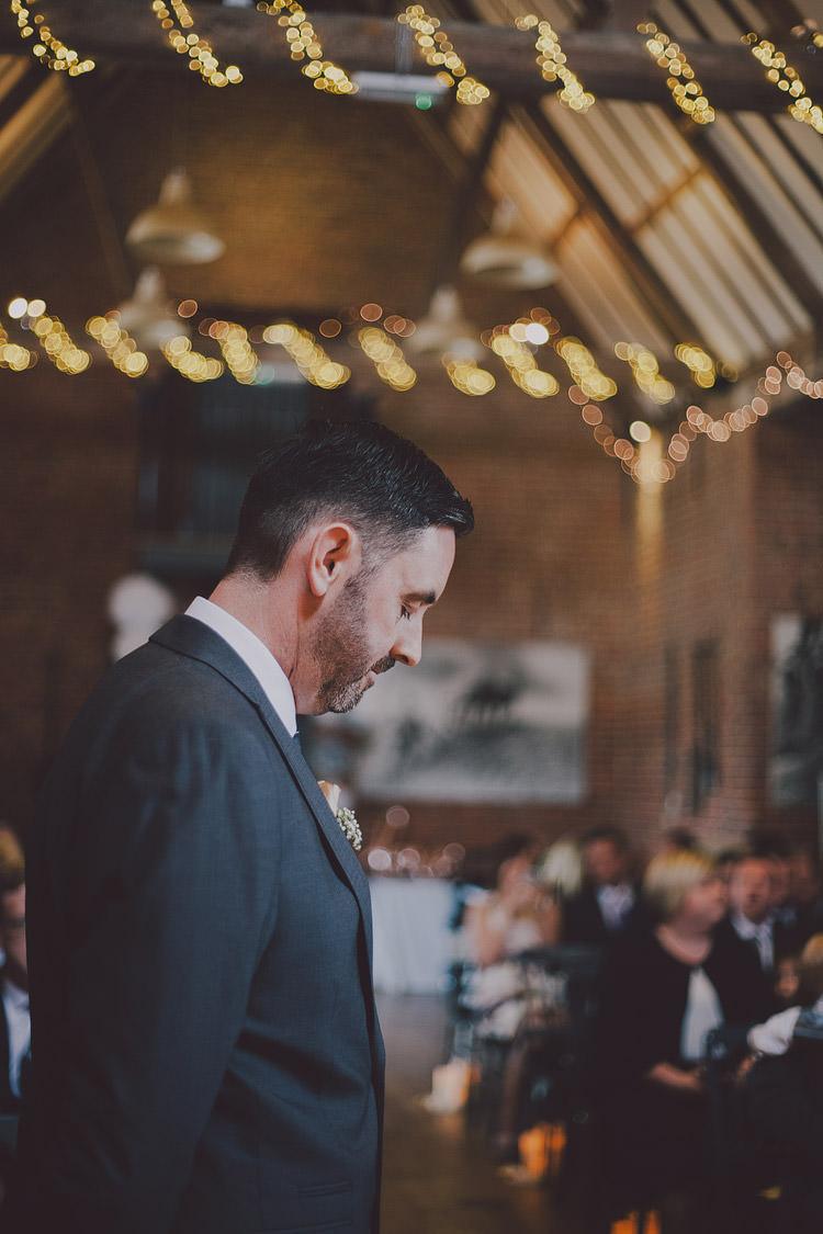 Chic Rustic Grey Barn Wedding http://www.kevelkinsphotography.co.uk/