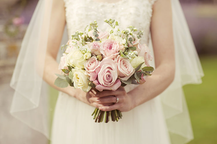 Cream Roses Bride Bridal Bouquet Elegant Romantic Classic Pink Wedding http://www.rebeccaweddingphotography.co.uk/
