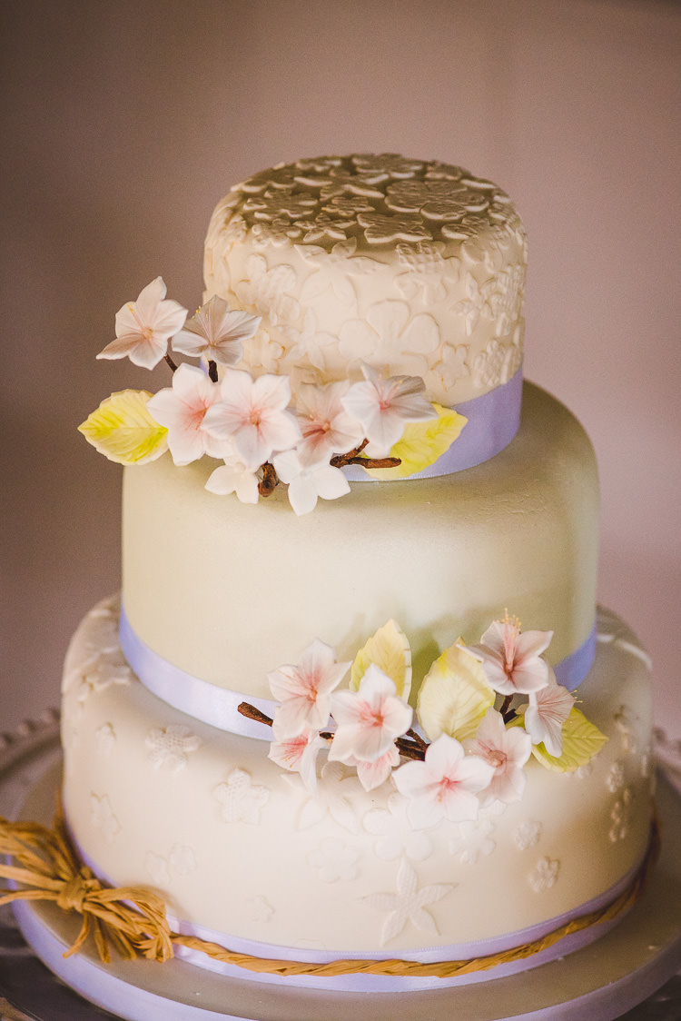 Floral Iced Cake Pretty Easter Magical Spring Bluebell Woodland Wedding Ideas http://helinebekker.co.uk/