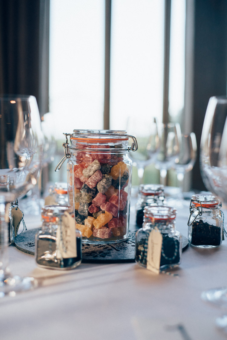 Jelly Babies Heartwarming Festive Winter Wedding http://www.nikkivandermolen.com/