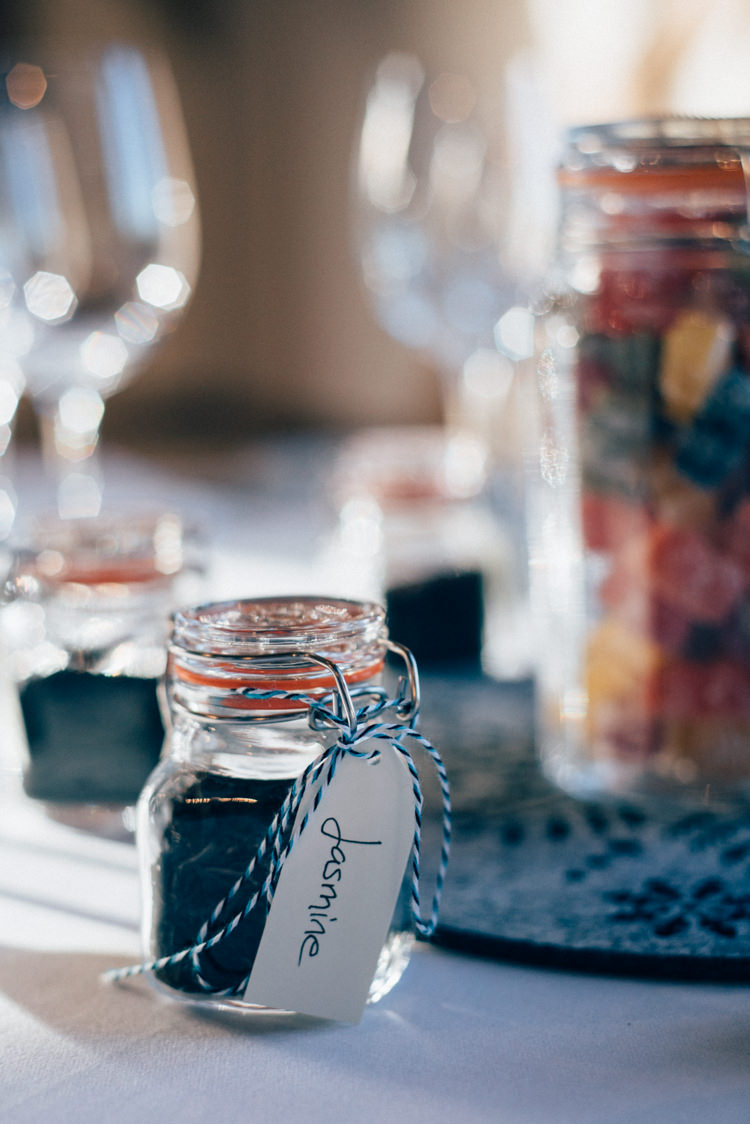 Favours Heartwarming Festive Winter Wedding http://www.nikkivandermolen.com/