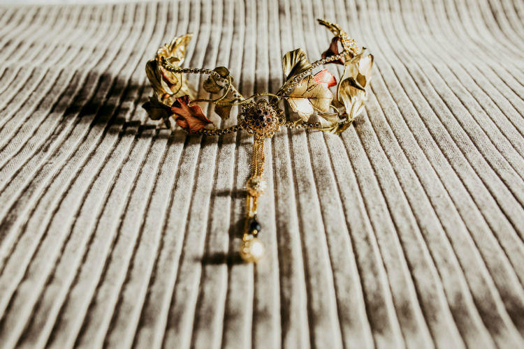 Bride Intricate Headpiece Autumn Leaves Gold Bridal Accessory From Dawn To Eternity Autumnal Wedding Ideas http://www.nataliaibarra.com