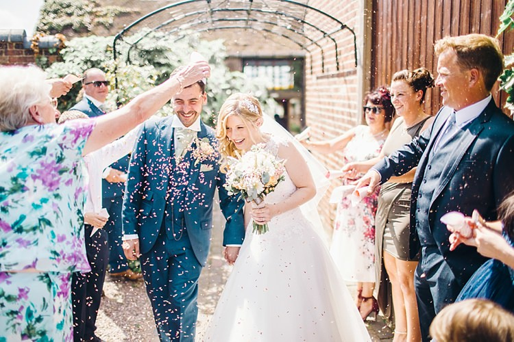 Confetti Throw Bride Groom Classic Rustic Home Made Country Wedding http://www.jessicareeve-photography.com/
