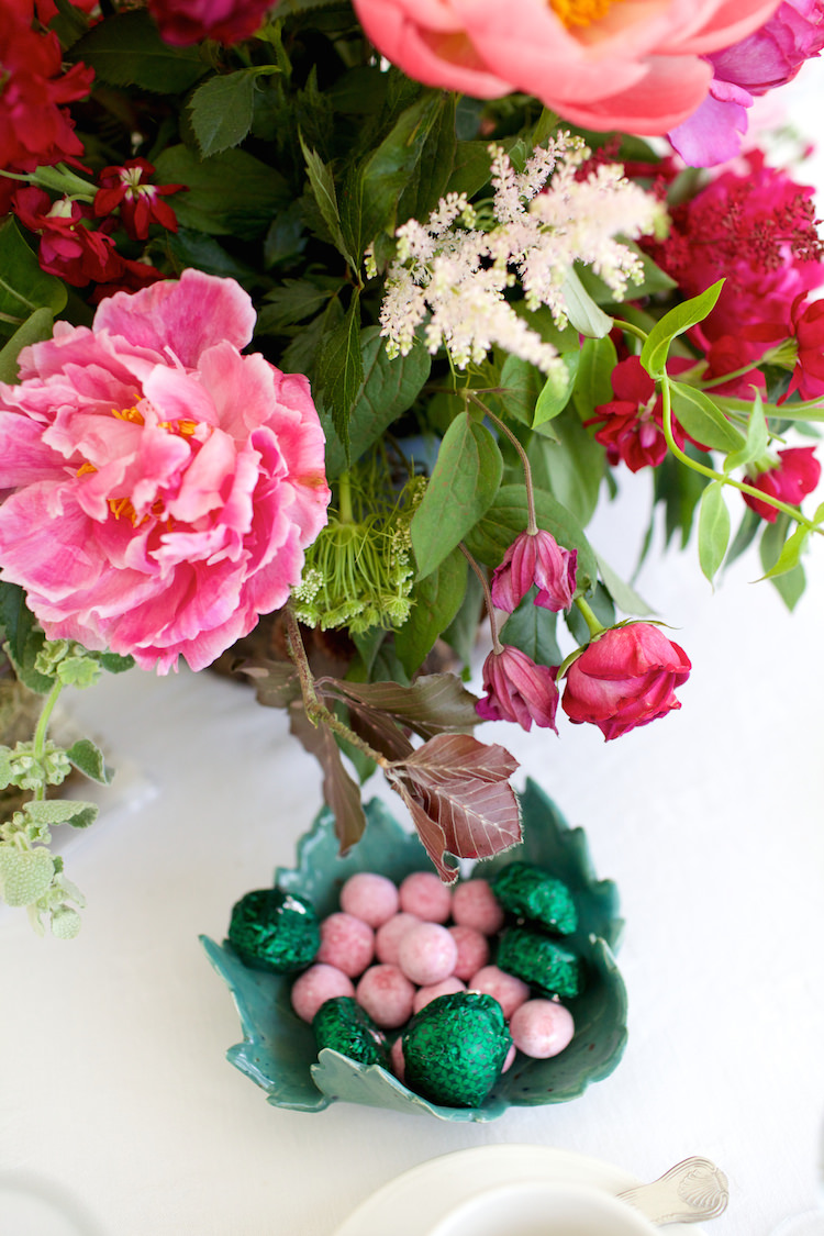 Peonies Flowers Table Centrepiece Decor Floral Artistic Farm Wedding http://elizabetharmitage.com/