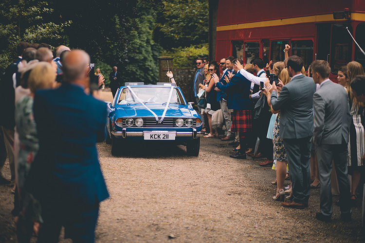 Homespun Fun Country Barn Wedding http://storyandcolour.co.uk/