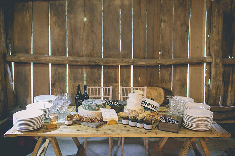 Cheese Table Stack Cake Homespun Fun Country Barn Wedding http://storyandcolour.co.uk/
