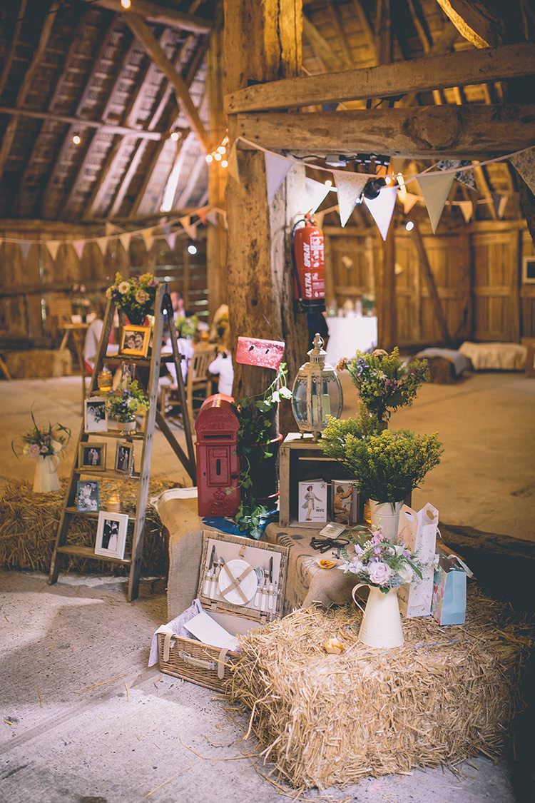 Hay Bale Decor Ladder Crates Rustic Homespun Fun Country Barn Wedding http://storyandcolour.co.uk/