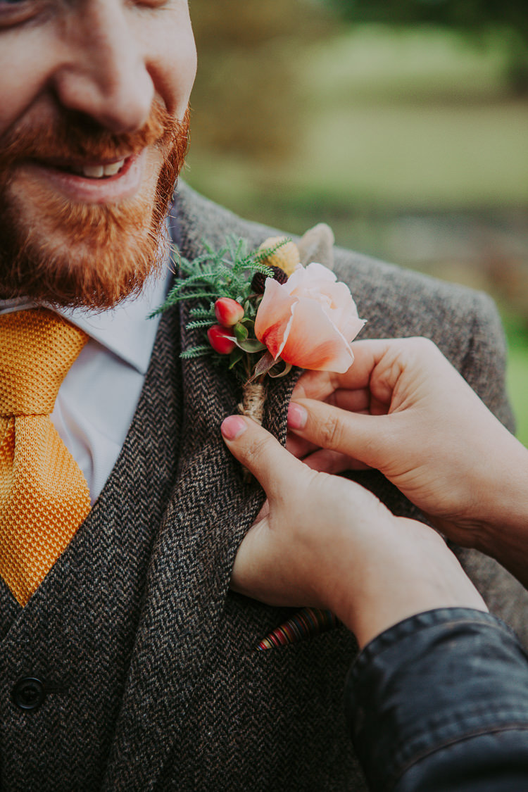 Buttonhole Groom Rose Berry Autumn Weekend Extravaganza Tipi Wedding http://bloomweddings.co.uk/