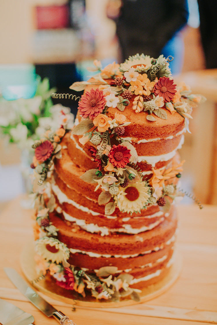 Naked Cake Victoria Sponge Flowers Layer Autumn Weekend Extravaganza Tipi Wedding http://bloomweddings.co.uk/