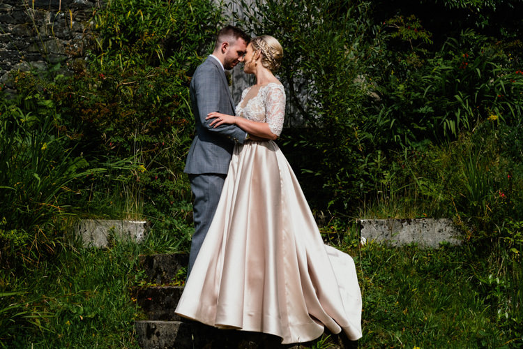 Anges Etoiles Bridal Dress Relaxed Stylish Outdoor Wedding http://www.euanrobertsonweddings.com/