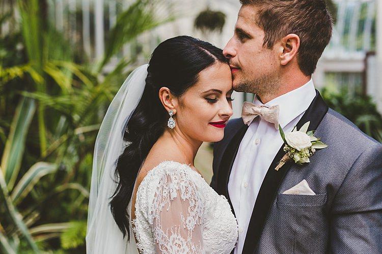 Glamorous Gatsby City Hall Wedding http://www.emmakenny.com/