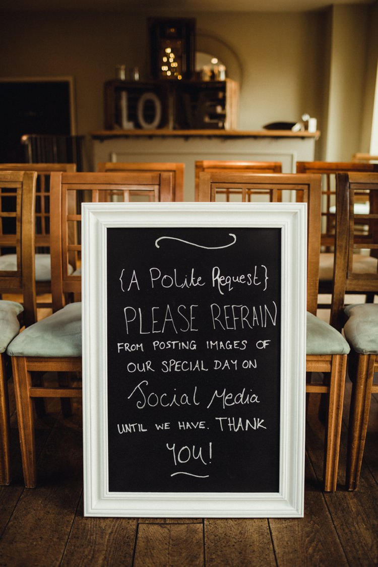Sign Unplugged Simple Rustic Cosy Winter Wedding http://aniaames.co.uk/