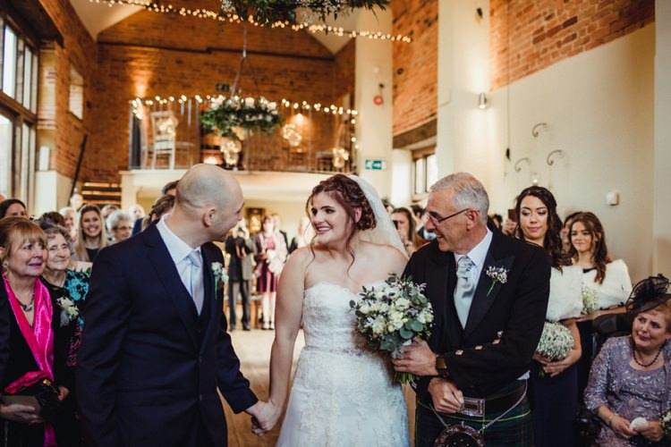 Simple Rustic Cosy Winter Wedding http://aniaames.co.uk/