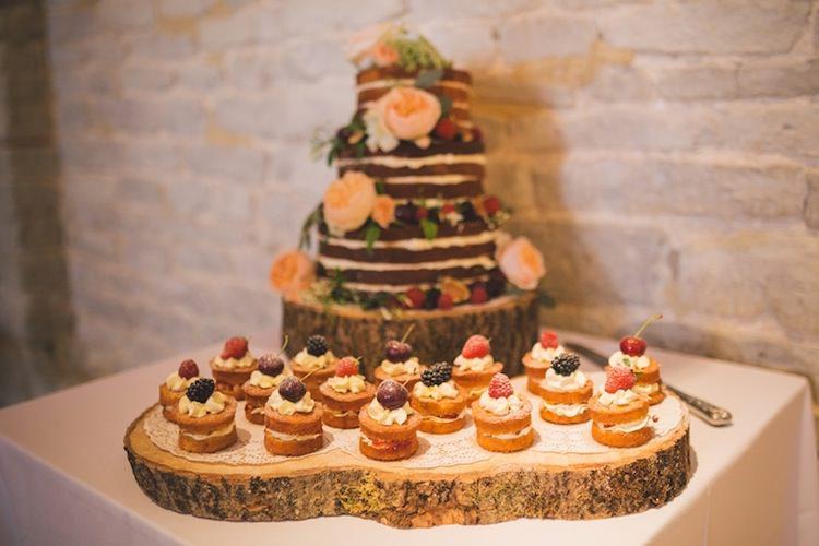 Mini Naked Cakes Victoria Sponges Table Log Light Pretty Summer Barn Wedding http://www.koweddings.com/
