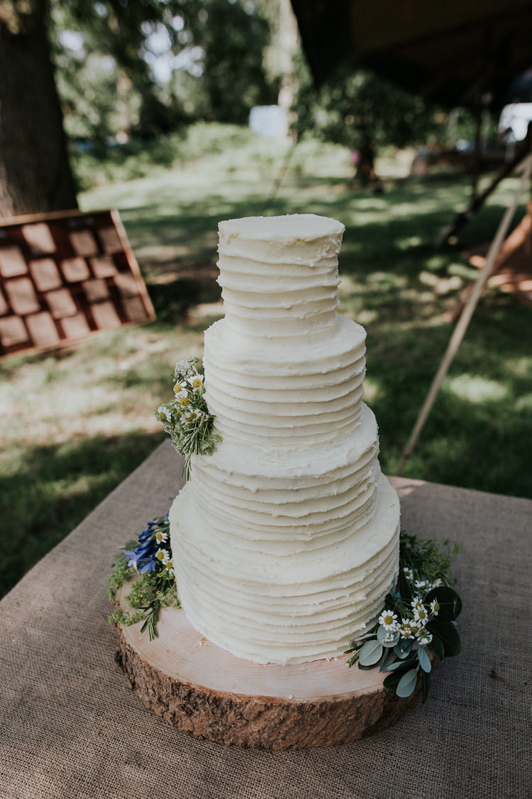Butttercream Cake Log Stand Flowers Rustic Woodland Countryside Camp Wedding http://www.joannanicolephotography.com/