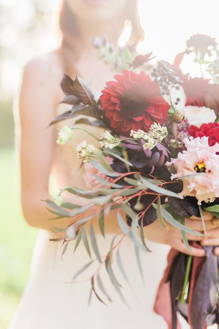 Bouquet Flowers Bride Bridal Red Dahlia Foliage Ribbons Dreamy Luxe Autumn Wedding Ideas http://suzanneli.co.uk/