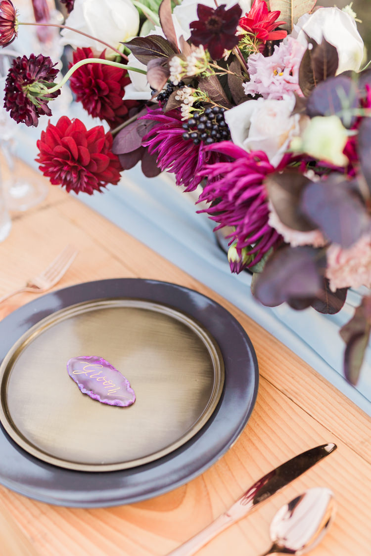 Place Setting Name Agate Dreamy Luxe Autumn Wedding Ideas http://suzanneli.co.uk/