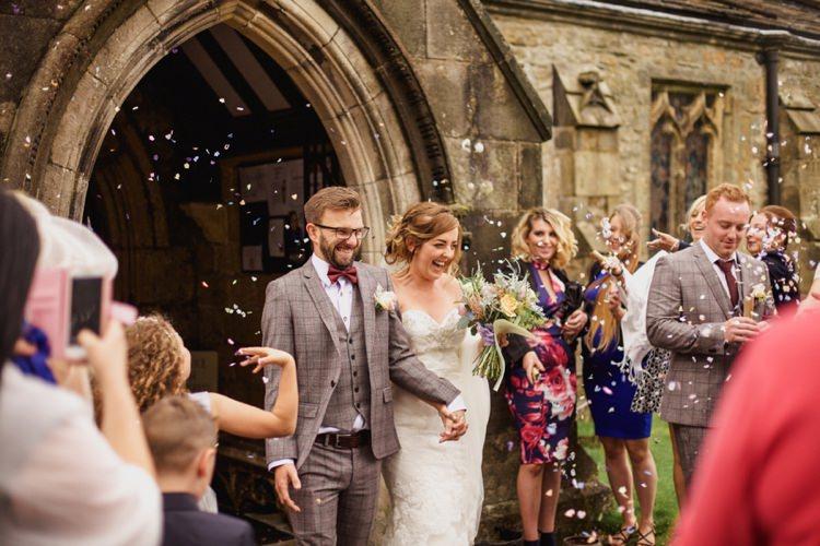 Confetti Throw Bride Groom Summer Country Pastels Wedding http://jesspetrie.com/