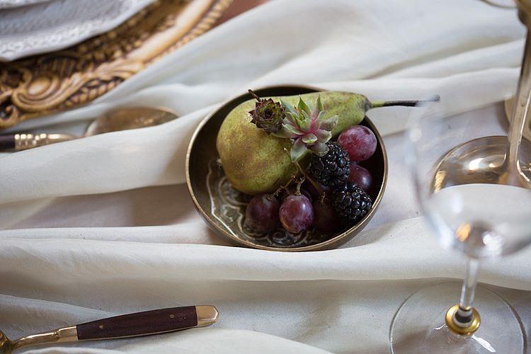 Chic Secret Garden Wedding Ideas http://marysmithphotography.com/