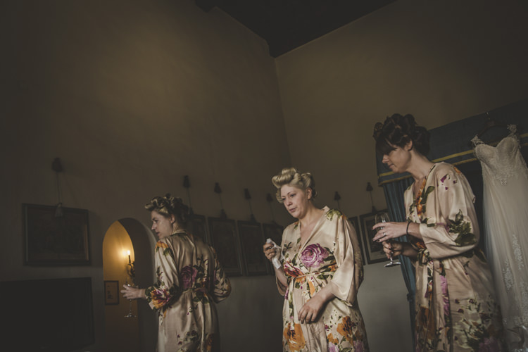 Bridesmaids Floral Dressing Gowns Bridal Gown Ceremony Preparations Romantic Intimate Tuscany Destination Wedding http://angelicabraccini.com/