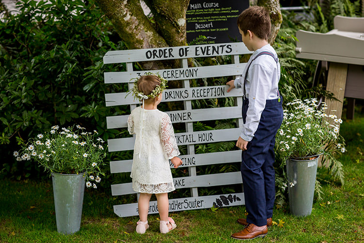 Sign Pallet Wooden Rustic Whimsical Greenery Nature Wedding http://lunaweddings.co.uk/