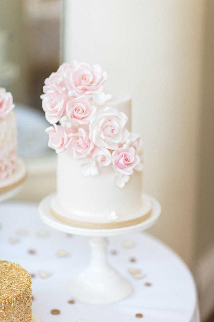 Floral Cake Iced Flowers Gold Sparkle Pink Glamour Wedding https://emilyhannah.com/