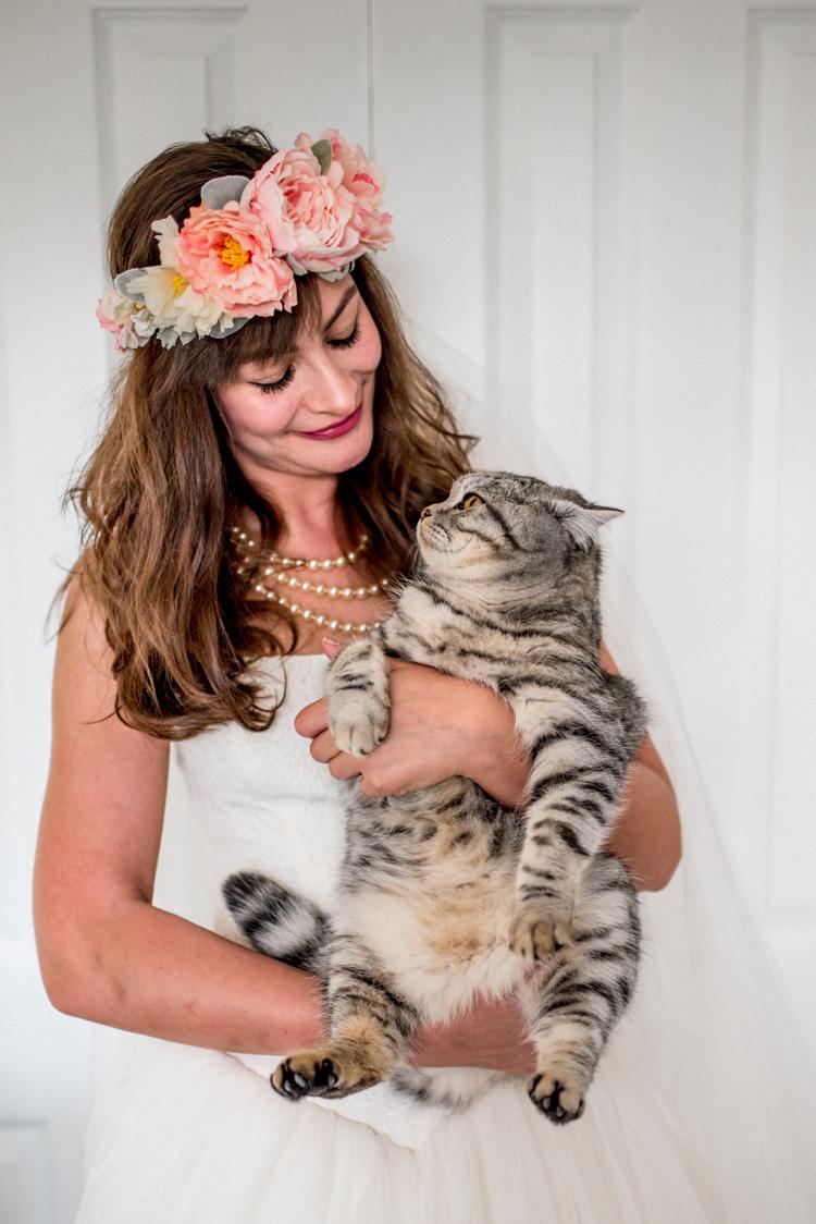 Cat Pet Wedding Bride Ideas Help Advice http://www.michellewoodphotographer.com/