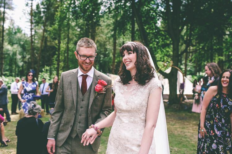 Rustic Woodland Birds Outdoorsy Wedding http://www.emmaboileau.co.uk/