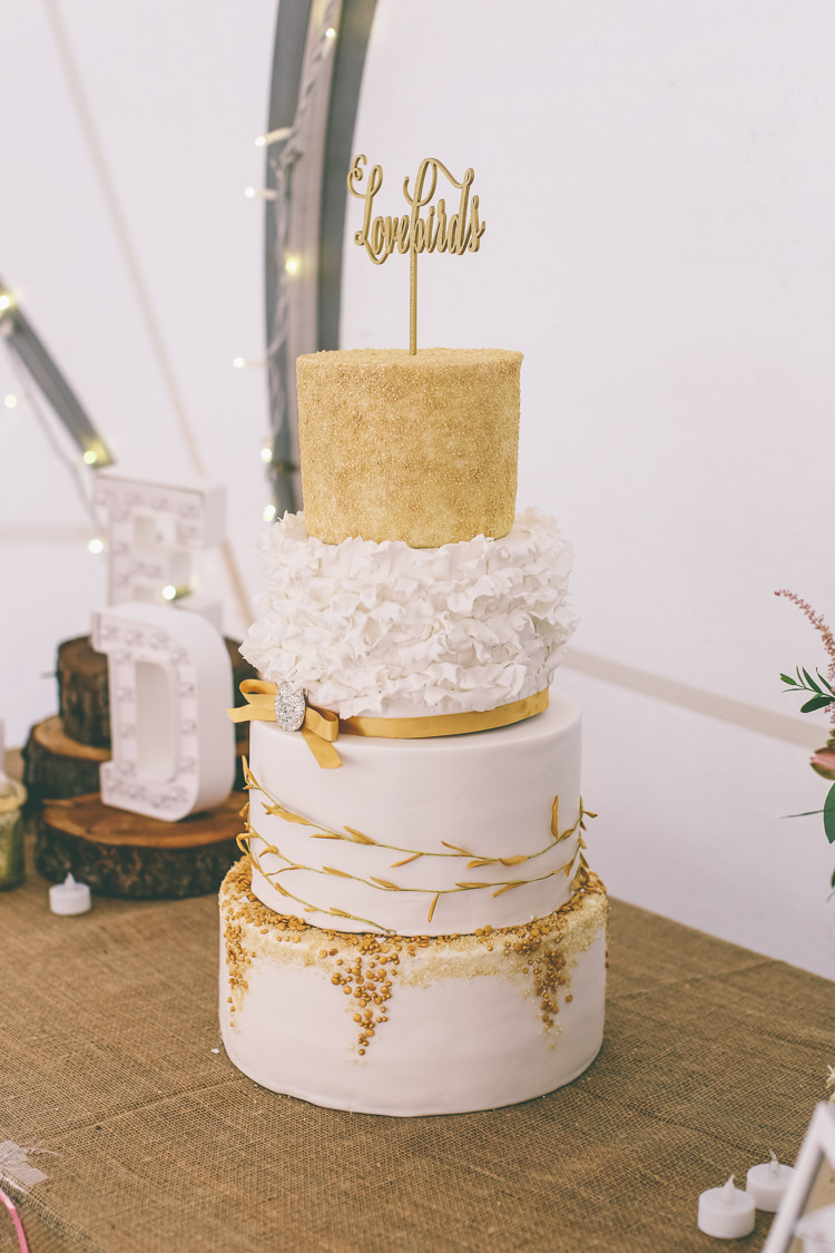 Gold White Cake Modern Rustic Woodland Birds Outdoorsy Wedding http://www.emmaboileau.co.uk/