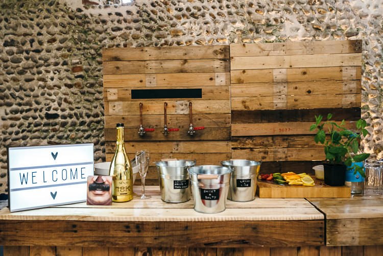 DIY Wooden Rustic Bar Gorgeous Home Made Pink Gold Barn Wedding http://www.bethmoseleyphotography.co.uk/