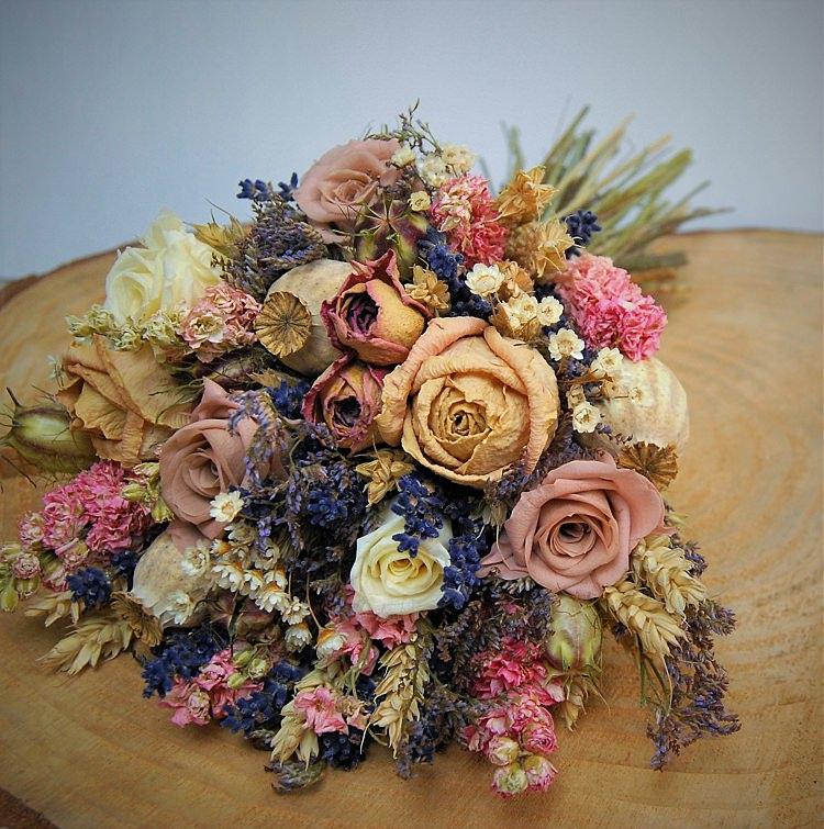 Alternative Wedding Flower Ideas Dried Bouquet