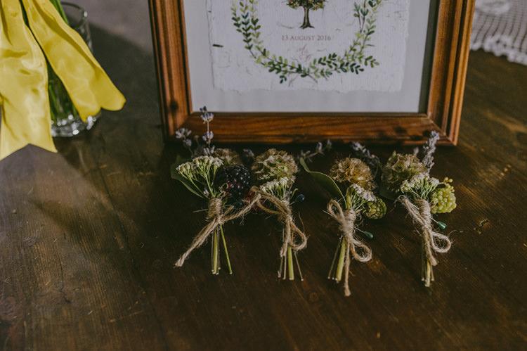 Green Floral Buttonhole Wedding Stationery Wooden Frame Natural Greenery Stylish Wedding Transylvania https://raresion.com/