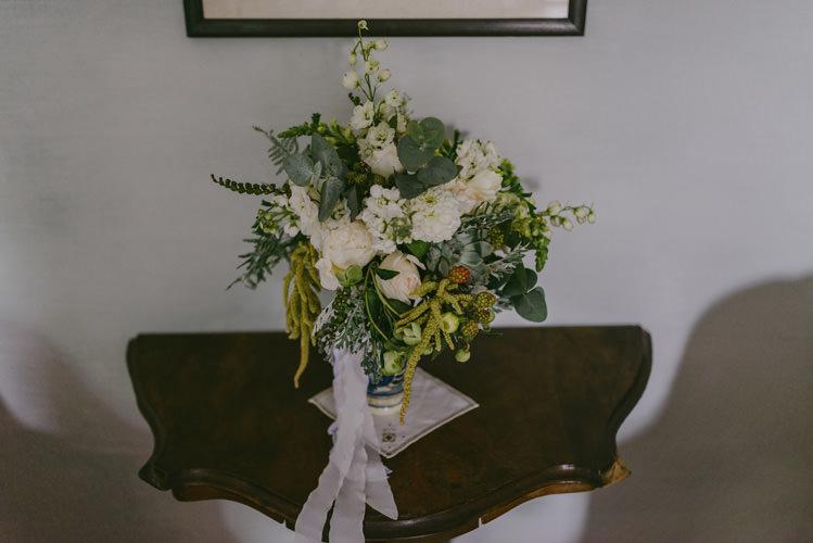 Bride Bouquet White Florals Roses Greenery White Ribbon Natural Greenery Stylish Wedding Transylvania https://raresion.com/