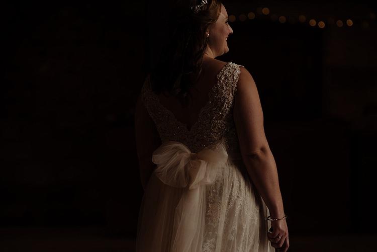 Tulle Bow Sash Belt Bride Bridal Dress Outdoor Woodland Autumn Banquet Wedding http://toastofleeds.co.uk/