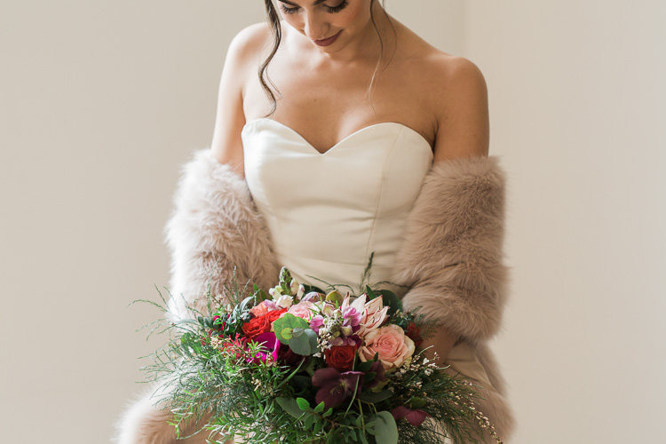 Luxe Copper & Red Wedding Ideas http://www.danielle-smith-photography.com/