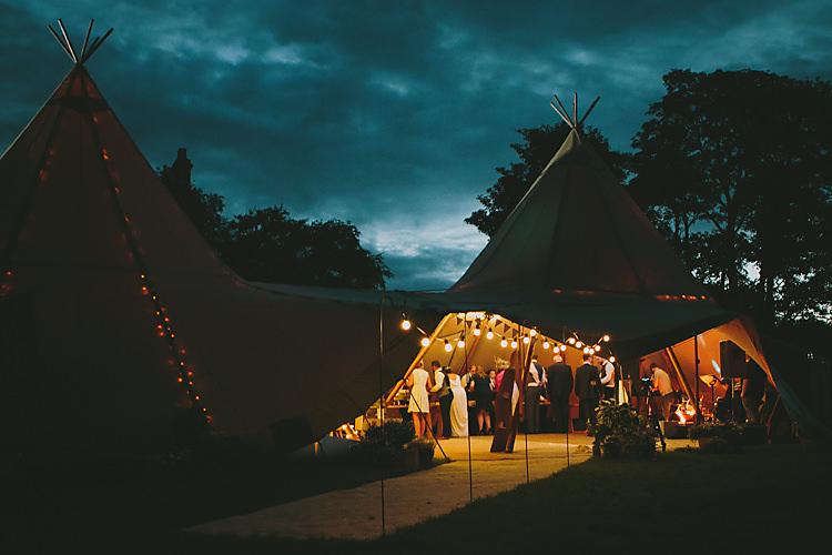 Festoon Fairy Lights Lovely Greenery Farm Tipi Wedding http://www.victoriasomersethowphotography.co.uk/