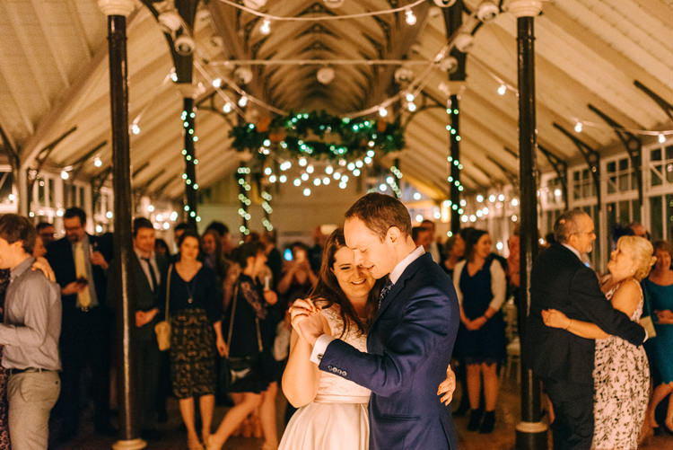 Playful Stylish Navy Winter Wedding http://sarahjaneethan.co.uk/