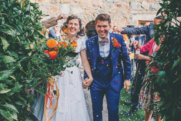 Confetti Throw Bride Groom Bright Retro Vintage Sea Wedding http://www.larissajoice.co.uk/
