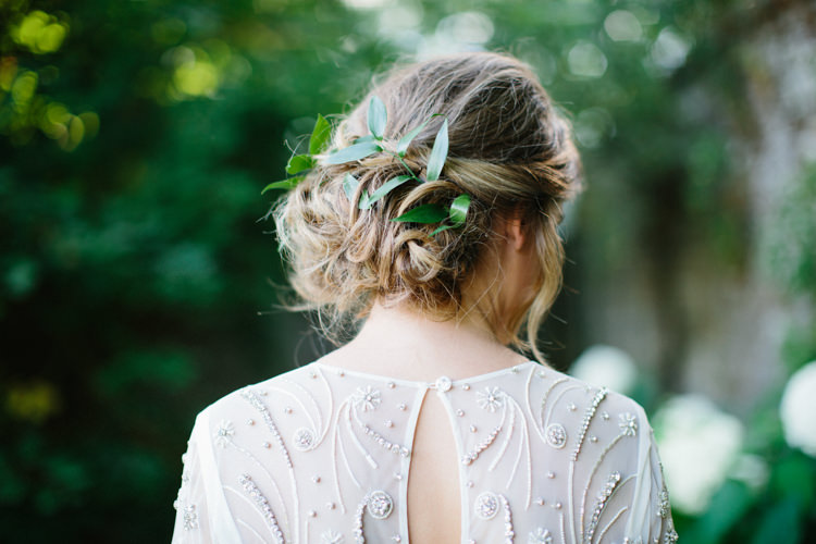 Hair Bride Bridal Foliage Wild Romance Greenery Wedding Ideas http://www.melissabeattie.com/