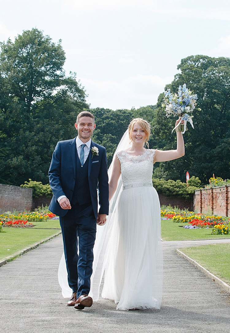 Pretty Pale Blue Summer Wedding http://www.georginabrewster.com/