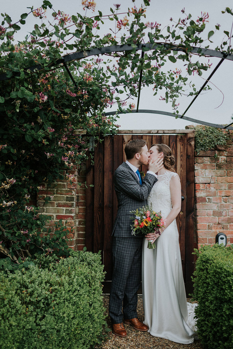 Stylish Hand Made Rainy Summer Barn Wedding http://www.kategrayphotography.com/