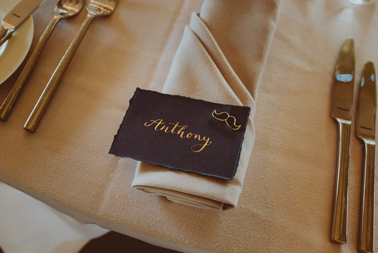 Gold Calligraphy Place Names Setting Cards Modern Minimal Botanical Winter Wedding http://bigbouquet.co.uk/