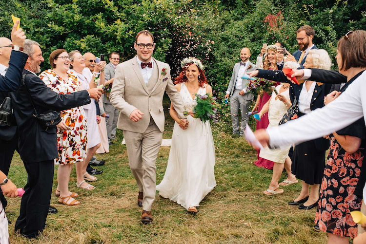 Confetti Throw Bride Groom Petal Informal Camp Woodland Wedding https://stevenanthonyphotography.co.uk/