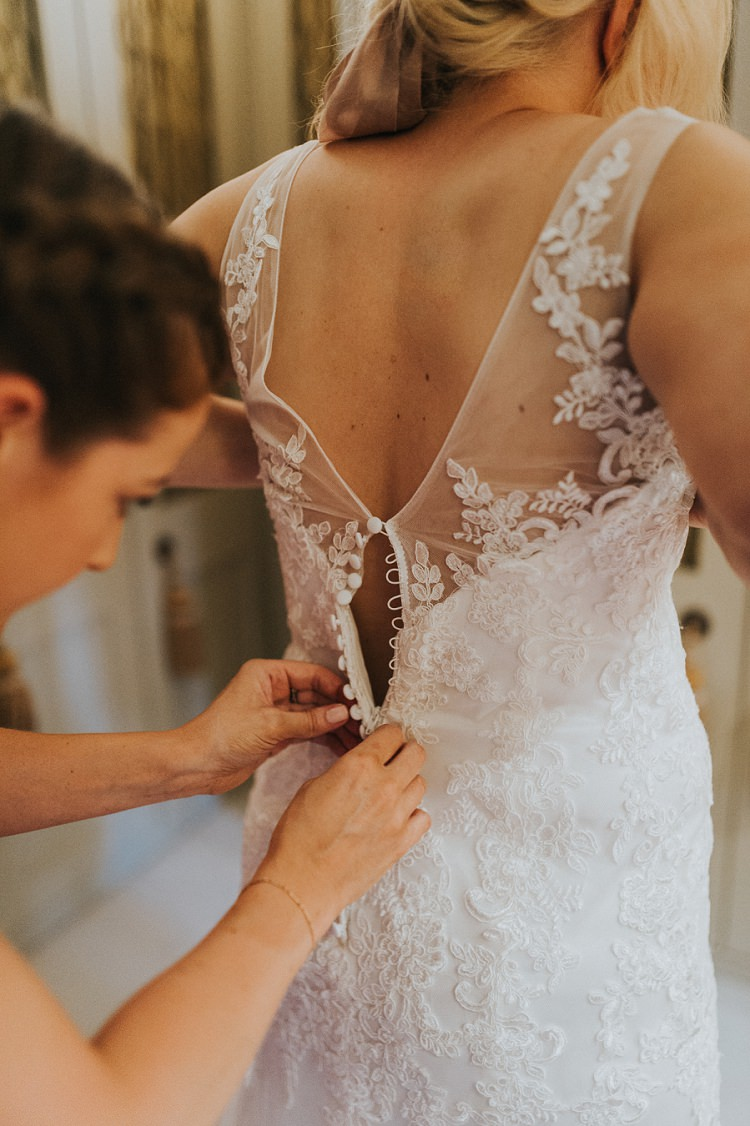 Lace Button Dress Gown Back Bride Bridal Enchanting Woodland Boho Wedding http://www.kerrydiamondphotography.com/