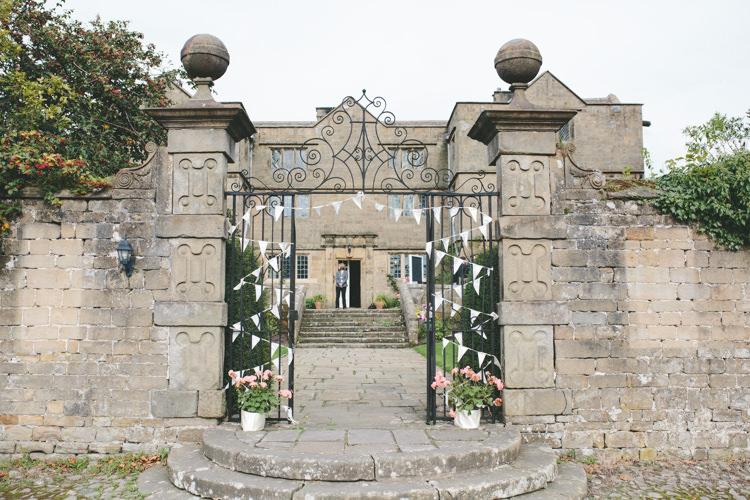 Eyam Hall Derbyshire Delightfully Natural Pretty Garden Wedding http://www.elliegracephotography.co.uk/