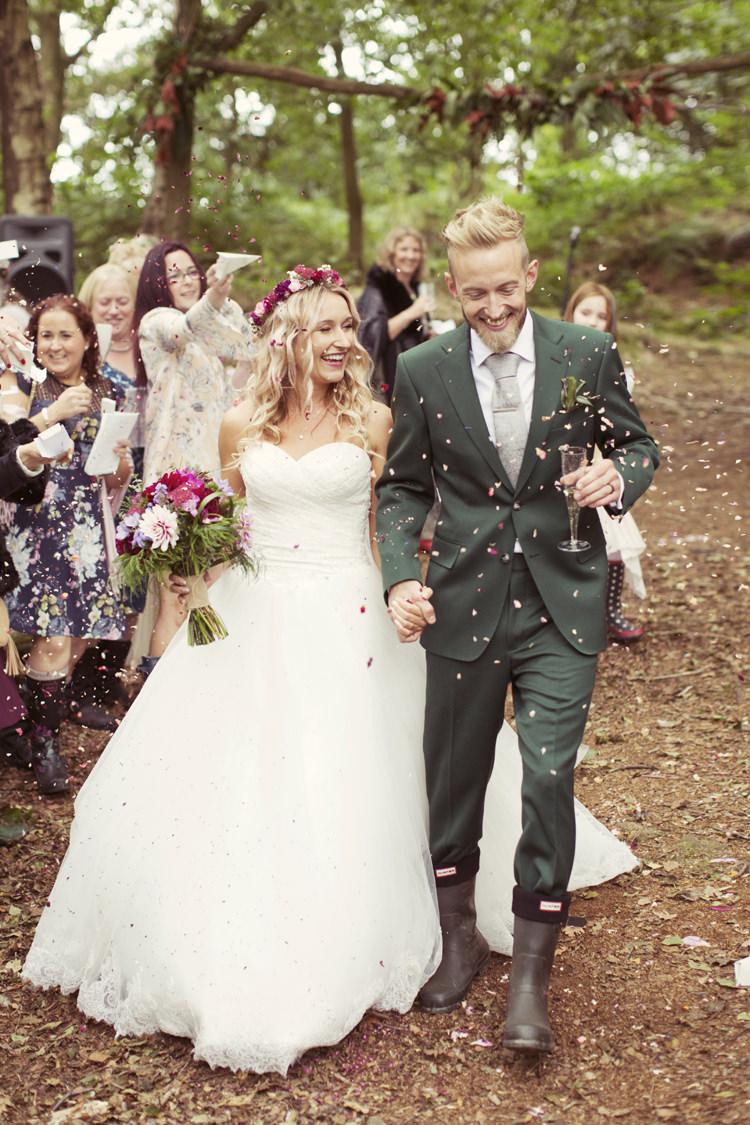 Confetti Throw Bride Groom Whimsical Woodland Autumn Wedding http://www.rebeccaweddingphotography.co.uk/