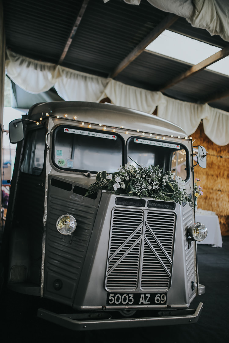 Citroen Classic Vintage Van Prosecco Gin Bar Barn DIY Farm Weekend Long Wedding http://www.nestalloyd.co.uk/