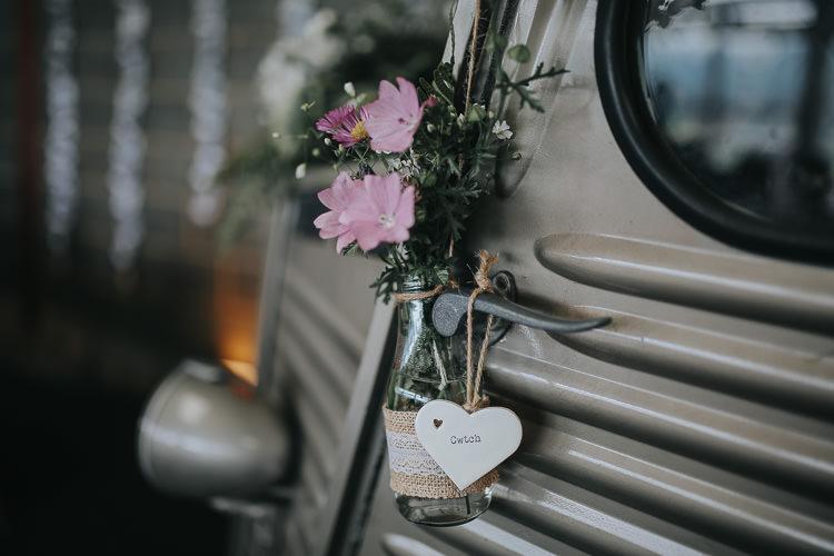 Flowers Floral Milk Bottle Hessian Lace Heart Sign DIY Farm Weekend Long Wedding http://www.nestalloyd.co.uk/