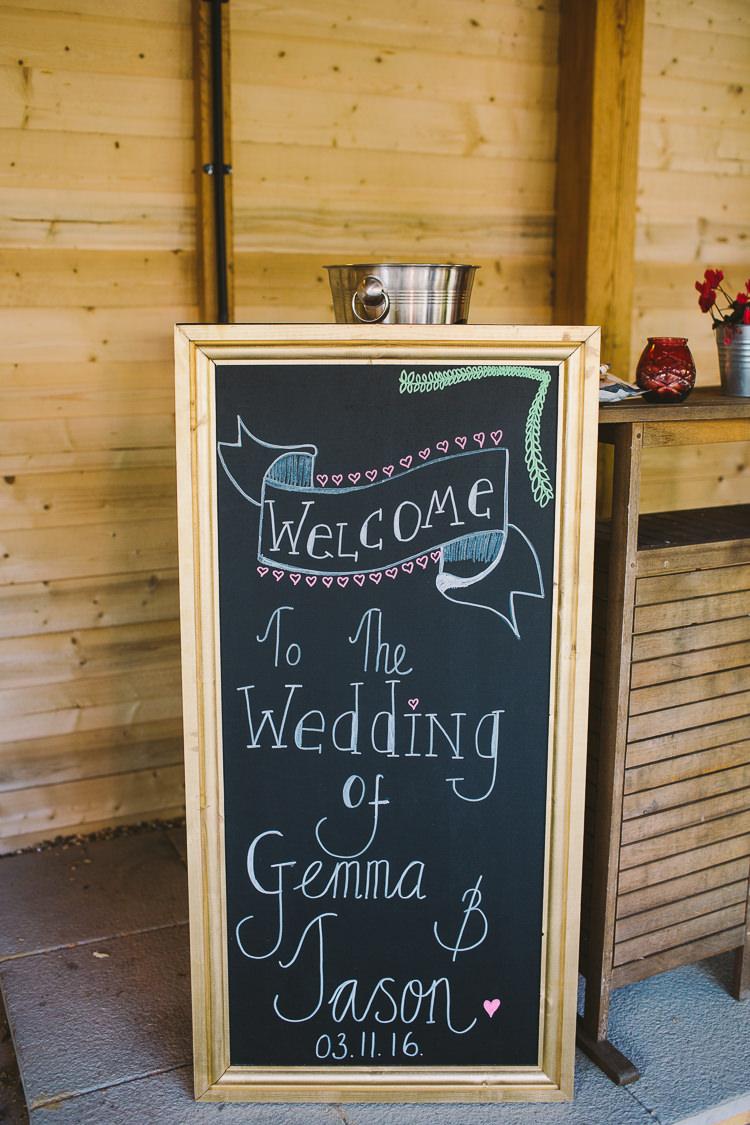 Black Chalk Board Welcome Sign Fun-Loving Low Key Pub Wedding https://www.oliviajudah.co.uk/